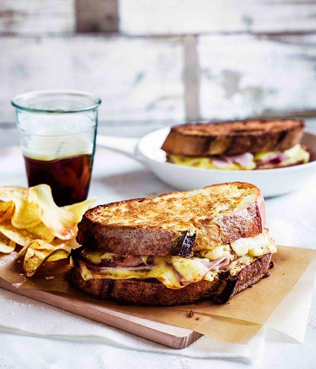 Monte Cristo sandwiches with potato crisps
