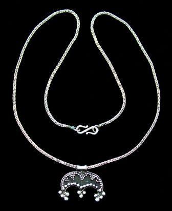 Lunik Necklace