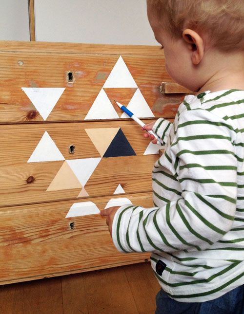 DIY Painted Triangles On a Dresser: Diy Ideas, 10 Diy, Find Hemmings, Decor Ideas, Paintings Dressers, Diy Paintings, Paintings Triangles, Kids Rooms, Diy Dressers