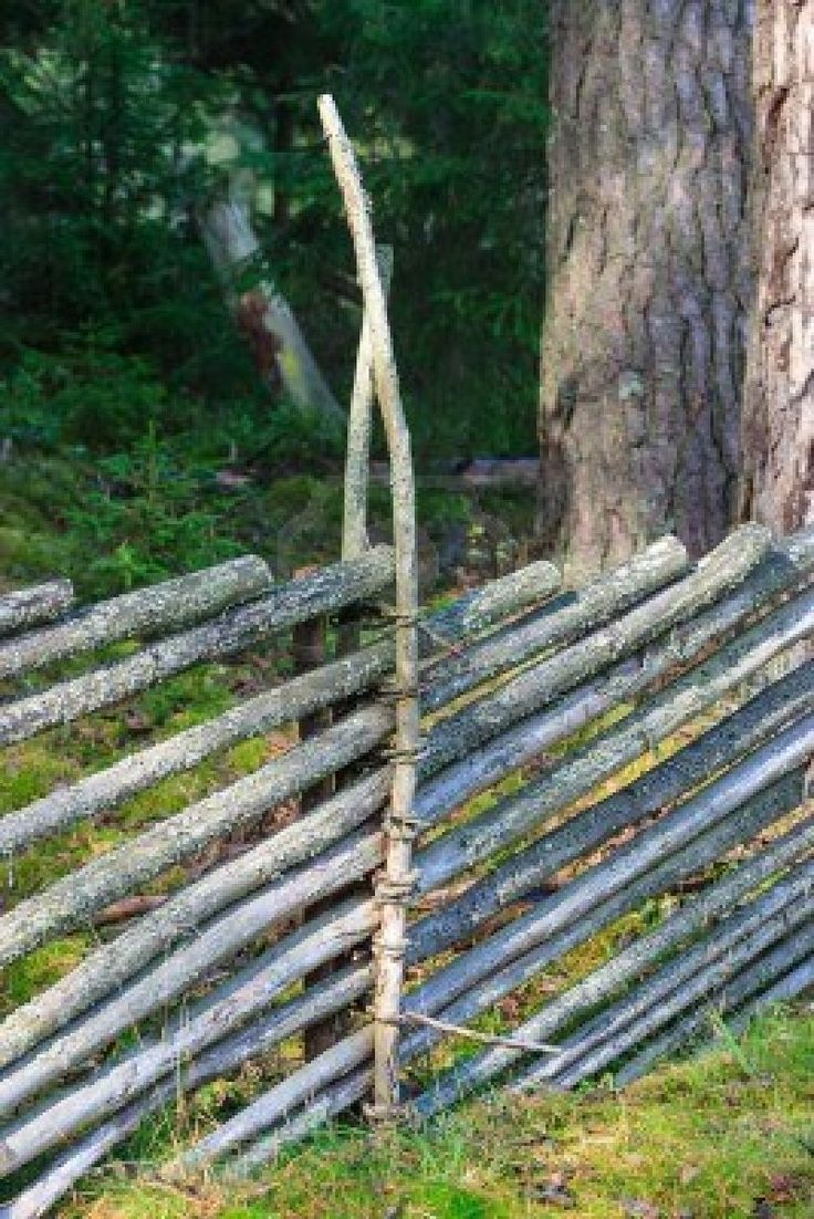 Swedish Fence - add third stick down center of post to weave short sticks to create space for diagonals.... interesting