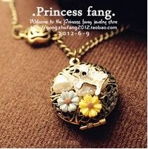 Free Shipping $10 (mix order) 2013 Fashion Vintage Cutout Box Daisy Cat Necklace Jewelry N430 € 0,80