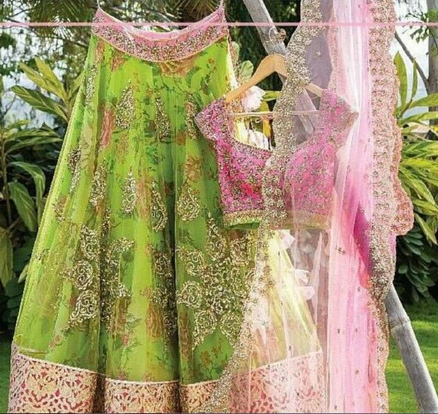 Oh, my god!!!!!! In love with this beautiful piece designed by Anushree Reddy. Grab this wonderful piece girls now for your wedding.   #Pink #Green #Lehanga #Lovely