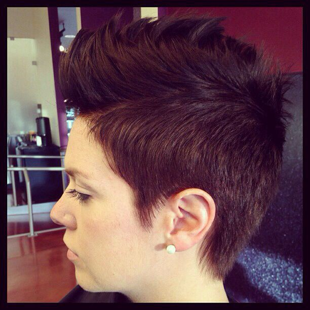 pixie faux hawk ... I'm so tempted to get this!