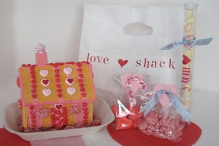 ;pValentine'S Day, Gingerbread House Parties, Cookies, Kids Projects, For Kids, Cute Ideas, Gingerbread Houses, Valentine Day Parties, Christmas Gingerbread