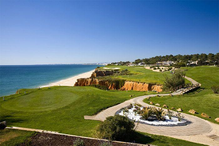 """visiter l'Algarve   Via Opodo Blog   14/03/2017  """"L'#Algarve est cette région au sud du #Portugal dont vous reconnaîtrez peut-être ces localités : Albuefeira, Faro, Lagos, plage de Marinha, Praia da Rocha... Pour commencer à vous convaincre de la visiter, notons que le climat ici est doux et ensoleillé toute l'année. On y compte plus de 3000 heures de soleil par an et un ciel bleu dégagé y est plus qu'habituel."""""""