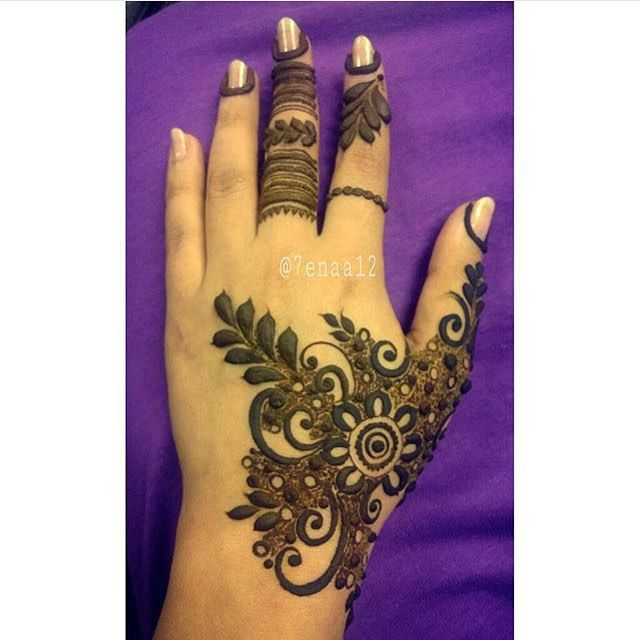 obsessed with this design  will definitely be recreating this design next week  gorgeous henna design done by @7enaa12