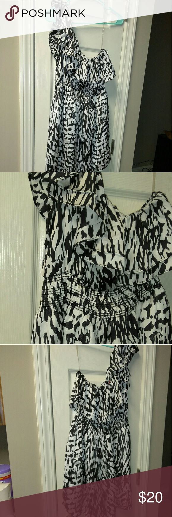 Body Central dress Absolutely stunning. So sexy.   Soft.  Great condition Body Central Dresses Asymmetrical