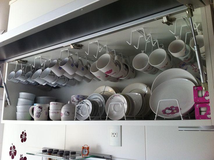 Organizando o armário com suporte de xícaras   suporte de pratos