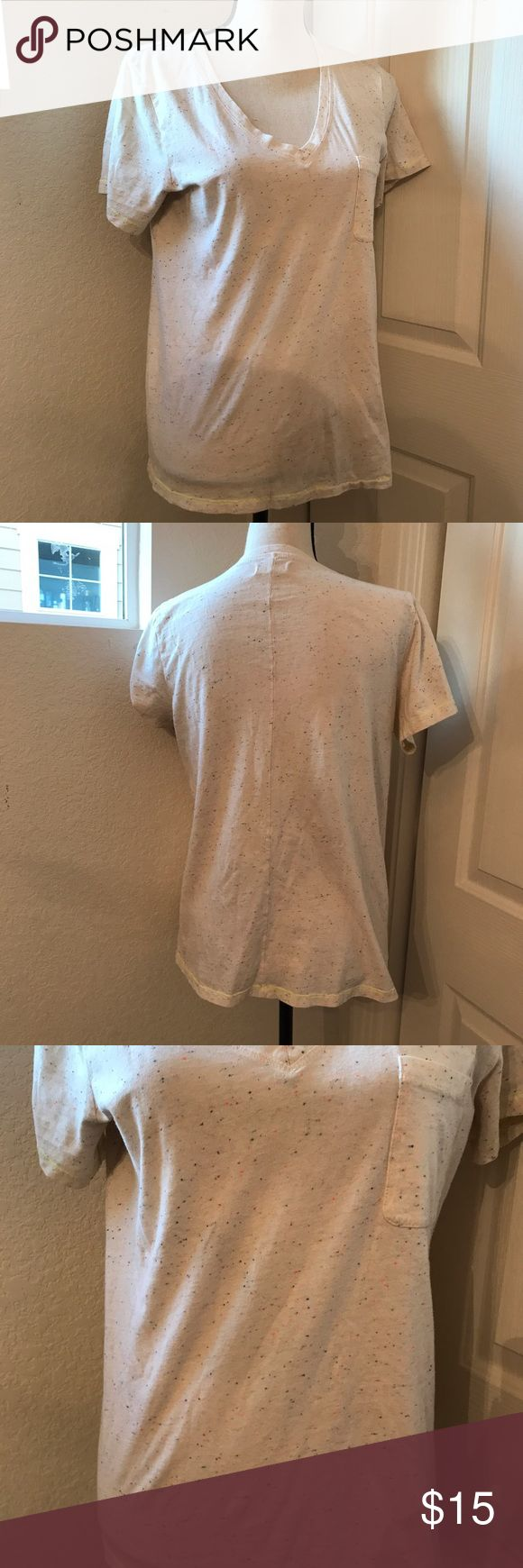 """Madewell V-neck T-shirt Speckled Cream Tee Women L ⭐️️cream speckled top ⭐️️cotton top Short Sleeve w/ yellow stitching  ⭐️️Women's Large  ⭐️️light pilling ⭐️️Approx Measurements:  Laying flat bust 18.75"""" Length 24"""" 070917-4 🚫trades please Madewell Tops Tees - Short Sleeve"""