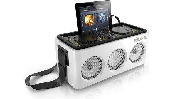 Philips announces iOS-friendly M1X-DJ system, puts decks on your dock