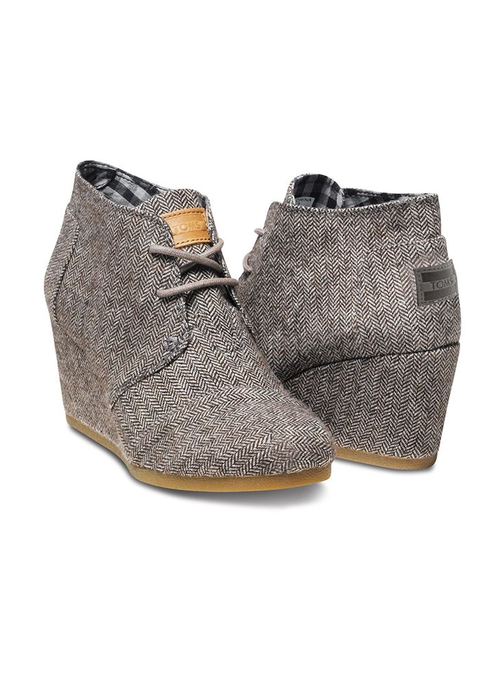 These TOMS Desert Wedges are dressed up in one of fall's favorite fabrics, tweed herringbone.