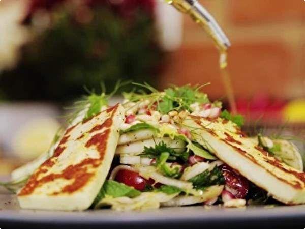 Salada de Funcho com Romã e Queijo Coalho Grelhado   Saladas   Receitas Gshow   Receitas.com