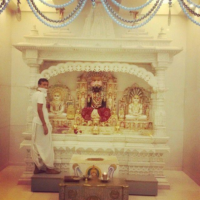#photography #instapic #gods #lord #mahavir #jain #temple #beautiful #artistic #marble #mahavira #temple #peaceful #spiritual #yog #inspiration #guru #blessings #blessuall #jain #mandir @Kalewadi , Near Kingston tower. Todays first darshan of new temple.#