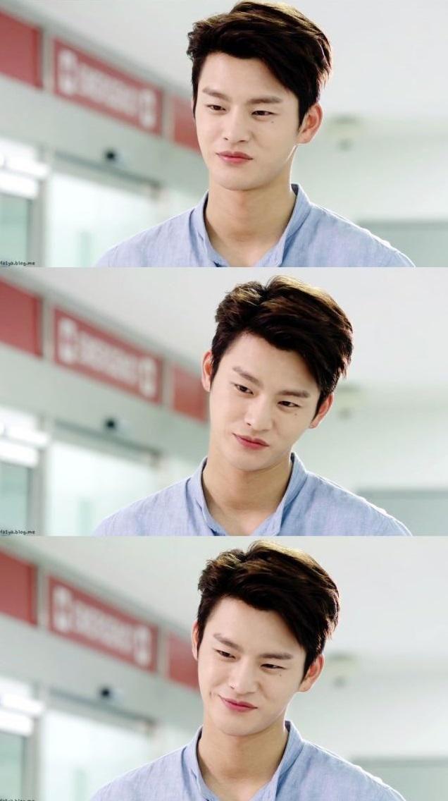 Ne kadar da tatlı bir adam #SeoInGuk #HelloMonster