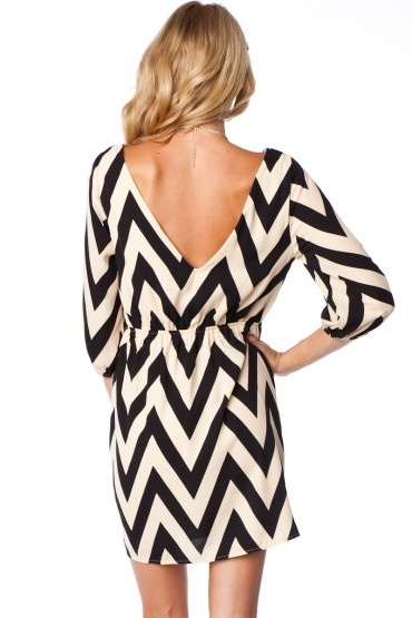 V back + sleeves: Chevron Patterns, Chevron Prints Dresses, Chevron Dresses, Dreams Closet, Black And White, Low Back Dresses, Black White, Cute Clothing, Fall Dresses