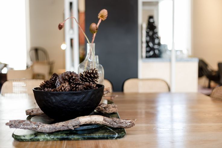 DY.o events (aka Duo) Minimal and earthy, modern Christmas table centrepiece.