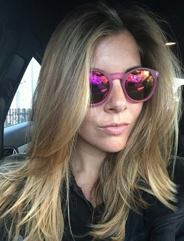 Pregnant Imogen Thomas goes blonde thanks to Khloe Kardashia