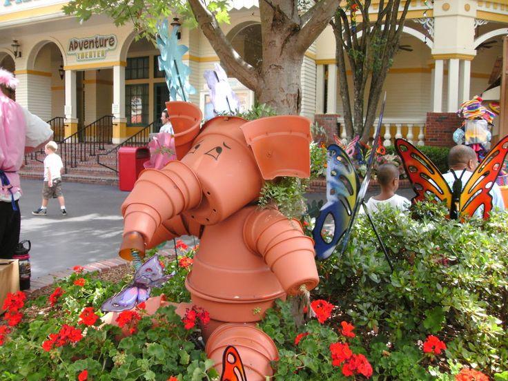 Flower pot elephant