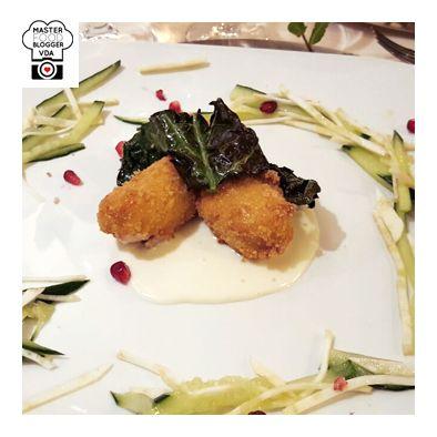 SECONDO - Bocconi di Rana Pescatrice in panatura accompagnata da una fonduta alla Toma Stagionata (Fromage Champagne Crosta Grigia Pellissier) e croccanti chips di cavolo nero.