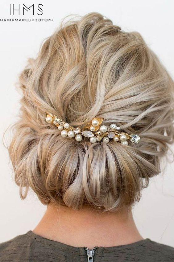 beautiful short hair updo ideas