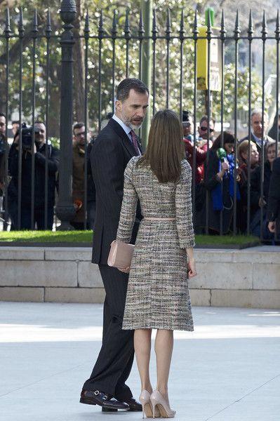 Ce midi, le roi Felipe et la reine Letizia ont inauguré une exposition d'art hongrois dans un musée de Madrid. Ils étaient accompagnés par ...