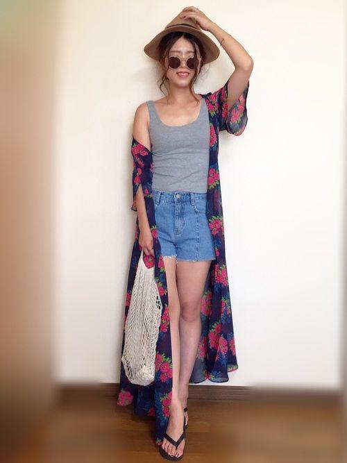 インスタ: mii_wear ▷プロフから飛べます✈︎ リゾートコーデ🌴🌺 ガウンにショーパン大