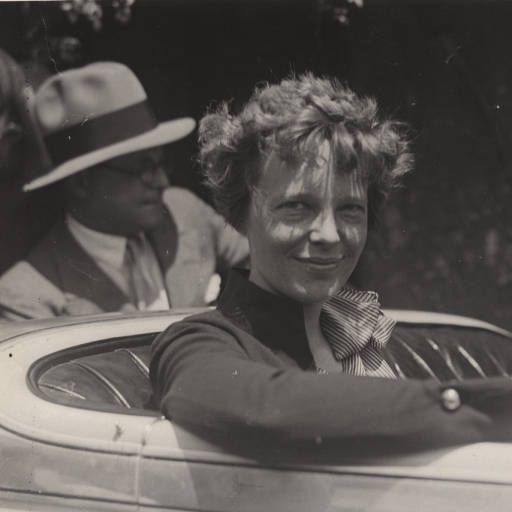 essay on amelia earhart amelia earhart: role in woman status amelia earhart was born on july 24, 1897 in atchison, kansas, and died on january 5, 1939 earhart is an international hero and between 1930 and 1935 she set seven women distance aviation and speed records.