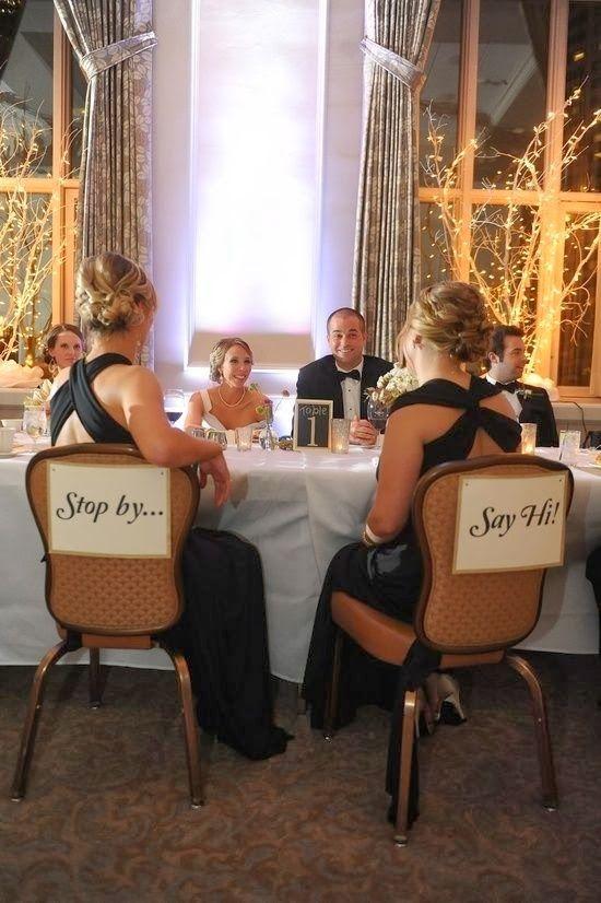 L'idée du Vendredi: Deux chaises vides à la table des mariés pour venir faire un coucou | Sweet Félicité