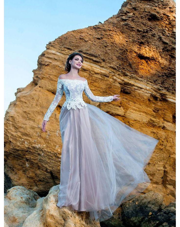 Dlhé spoločenské šaty DENA s tylovou sukňpu a čipkovaným vrškom s dlhým rukávom