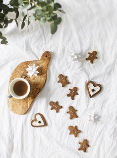 Paleo chestnut flour gingerbread biscuits   Christmas sweet treats   gluten free   vegan   refined sugar free