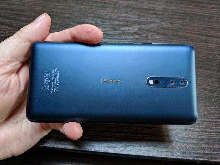 Nokia 8: Baterie OK la playback şi rezonabilă la încărcare