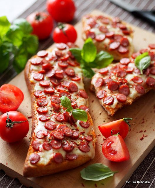 Smaczna Pyza sprawdzone przepisy kulinarne: Szybko i smacznie. Zapiekanki z ricottą, mozarellą i kiełbaskami