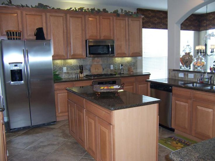granite countertops with light maple cabinets | ... cabinet lighting maple cabinets granite countertops center island and