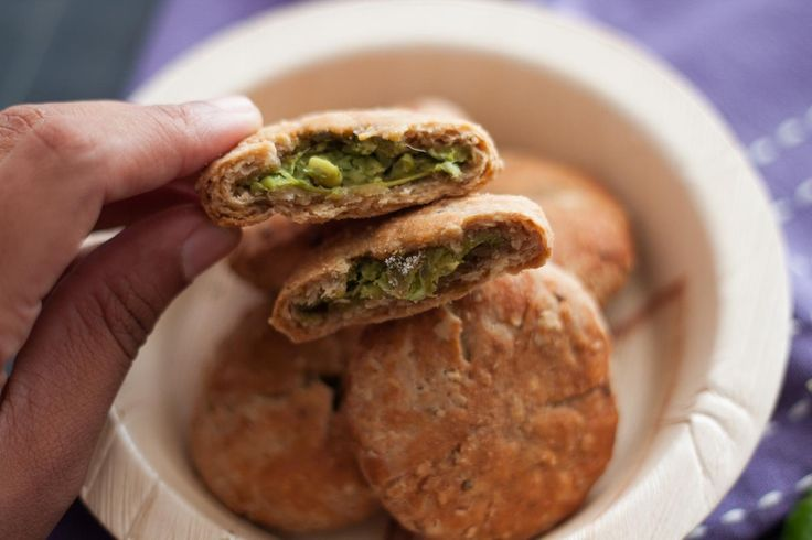Oats and whole wheat Kachori stuffed with Peas Recipe, is a healthy snack that is made easy with whole wheat and oats, Kachoris can be made with various stuffing. The kachoris are usually deep fried. But this is a healthier version where they are baked instead and served with delicious. Addition of oats to whole wheat will help in adding the extra dietary fibers and proteins required for your body. Serve the Oats and whole wheat Kachori stuffed with Peas Recipe along with cup of Masa...