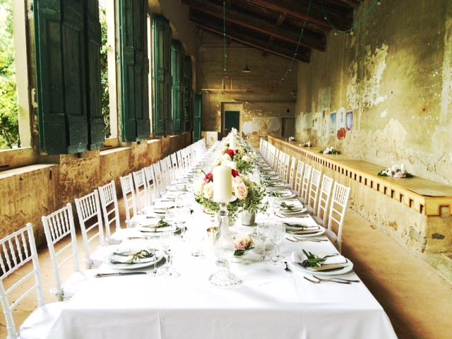 a very elegant wedding dinner party at #GiardinoCorsini in #florence