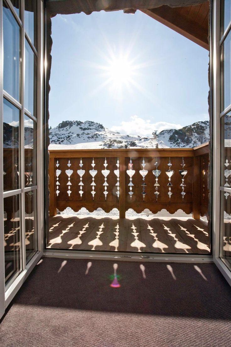 Mit diesem Ausblick beginnen Hotel Seekarhaus-Gäste ihren Skitag in Obertauern