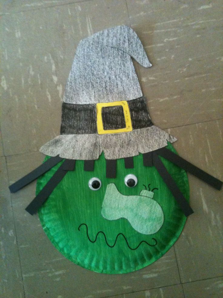 fun halloween craft for daycare.