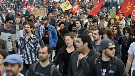 Mobilisation anti-loi travail: semaine de tous les dangers estime la presse sur Orange Actualités