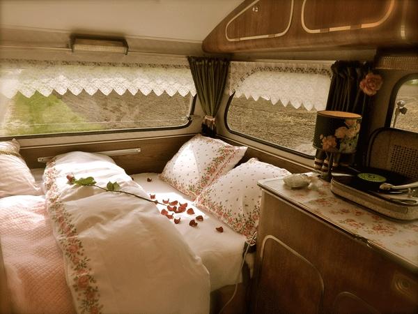 De CONSTRUCTAM 1970    De tijd zal het leren of onze caravan ook zo mooi gepimpt gaat worden