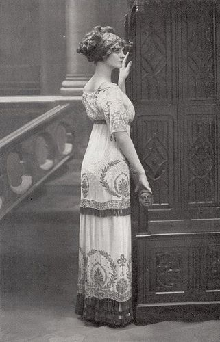 Ca. 1912 - oh how I wish I could dress like this every day!