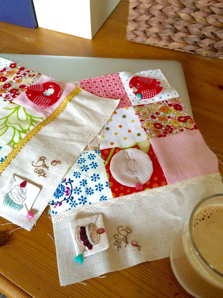 https://flic.kr/p/J836HL   Two mug rugs in progress.   Here are my mug rugs as teacher's presents.