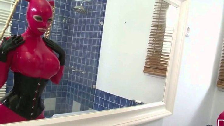 SEXY Girl in red latex \\\ SEXY Девушка в красном латексе
