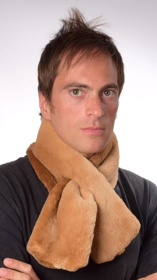 Authentic Canadian Beaver fur scarf for men. Double sided fur. Made in Italy.  www.amifur.co.uk