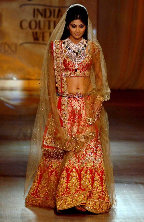 More Tarun Tahiliani