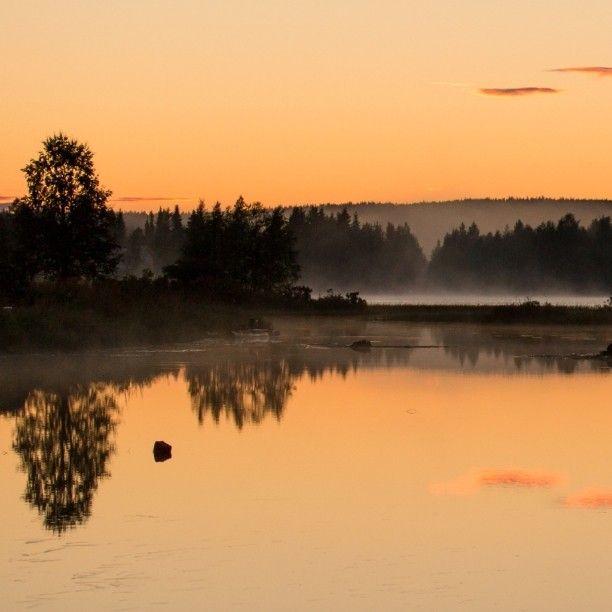 Photo by Pirkko Hietaniemi via pirkkomh instagram  Summer night in Äkäslompolo, Finnish Lapland.  #summernight #kesäyö #night #yö #lapland #lappi #äkäslompolo #ylläs #visityllas  #filmlapland #finnishlapland #arcticshooting #filminglocation #location
