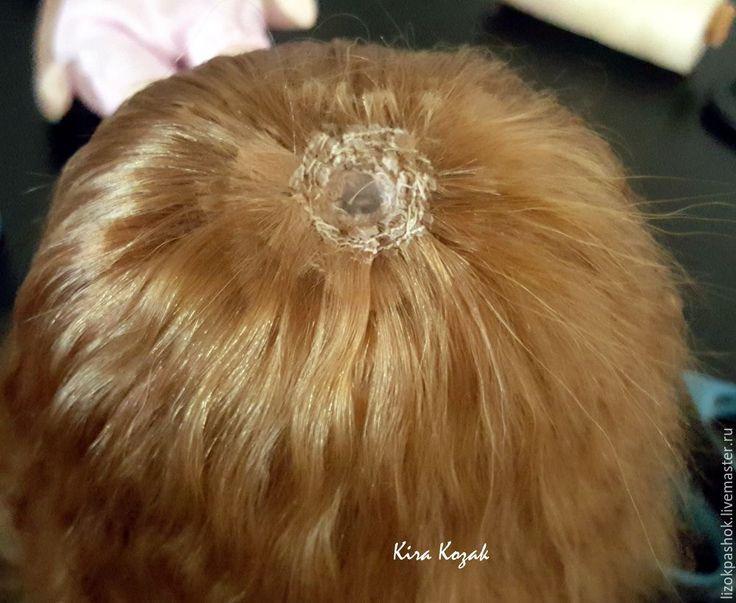 Хочу рассказать вам, как я делаю волосы своим куклам. Мастер-класс подробный, от покраски шкурки до пришивания тресса к голове куклы. Время указано 2 дня (из-за окрашивания и сушки волос).