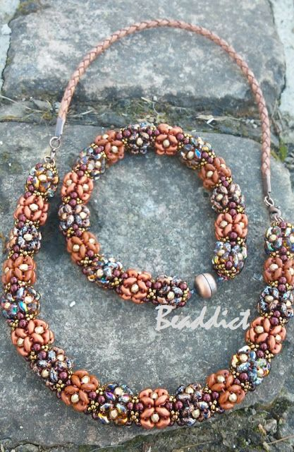 Chunky superduo rope. Pattern by Éva Gordon. Beaded by Beaddict. Seed beads, drucks, fire polished beads, superduos.