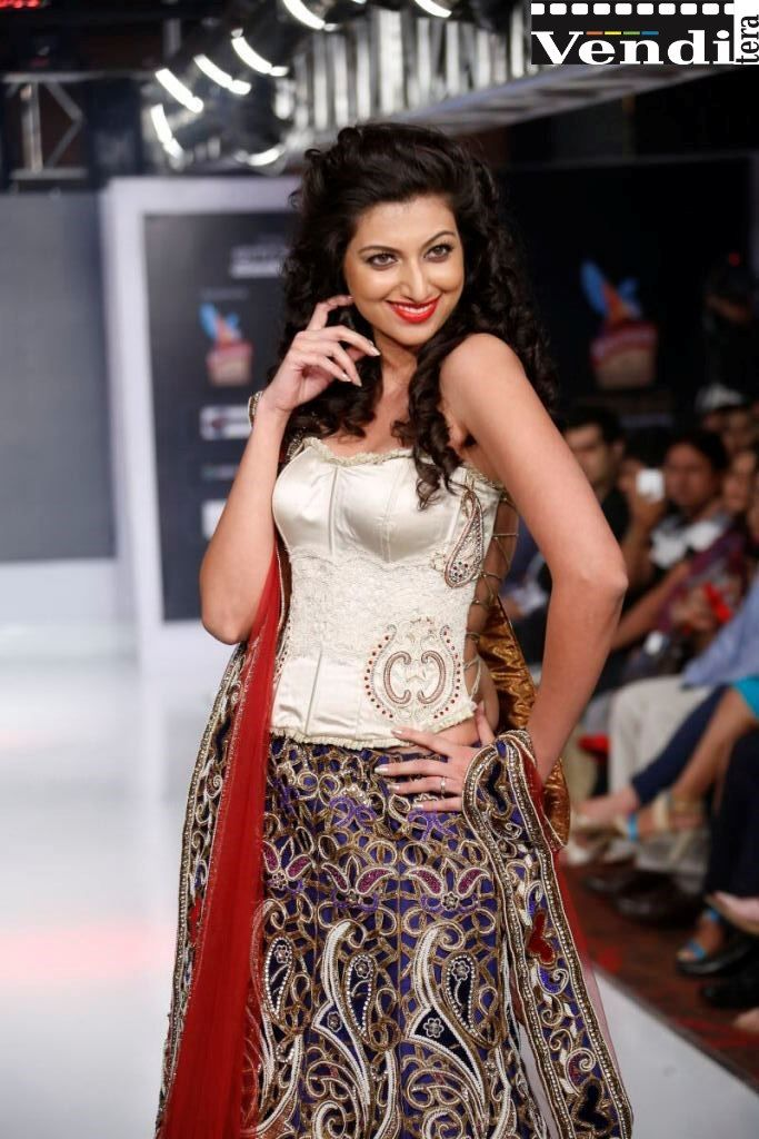 Hamsa Nandini Telugu Actress Latest Ramp Walk Stills - http://venditera.in/gallery/hamsa-nandini-telugu-actress-latest-ramp-walk-stills/