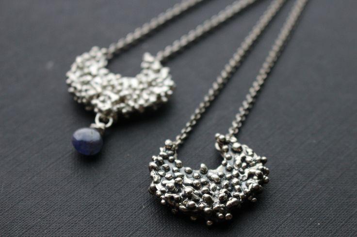 stříbro, tanzanit, moon náhrdelníky