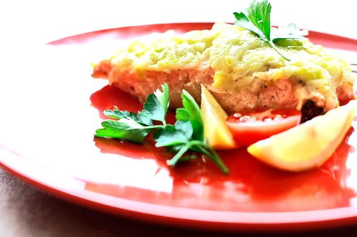 Łosoś z porami - Przepis | Salmon http://www.codogara.pl/7726/losos-z-porami/